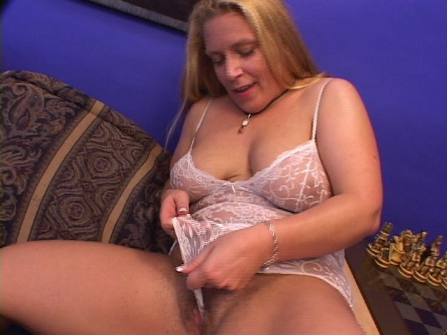 Lusty Fat Babe with a Hairy Bush Sucks on